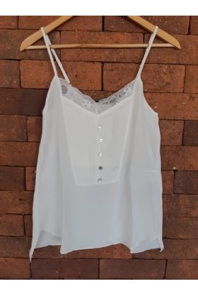 blusa-off-white-renda-com-botoes