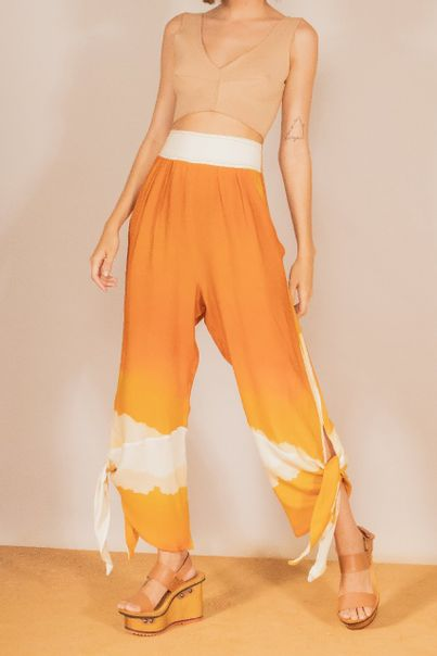 Cropped Colchetes Bege